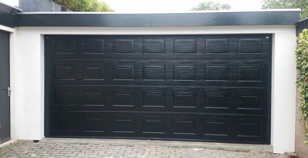 Garagedeur in Huizen